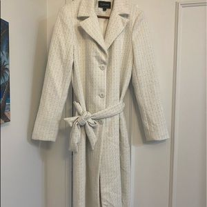 NWOT🤍Le Chateau Full Length GORGEOUS Trench Coat